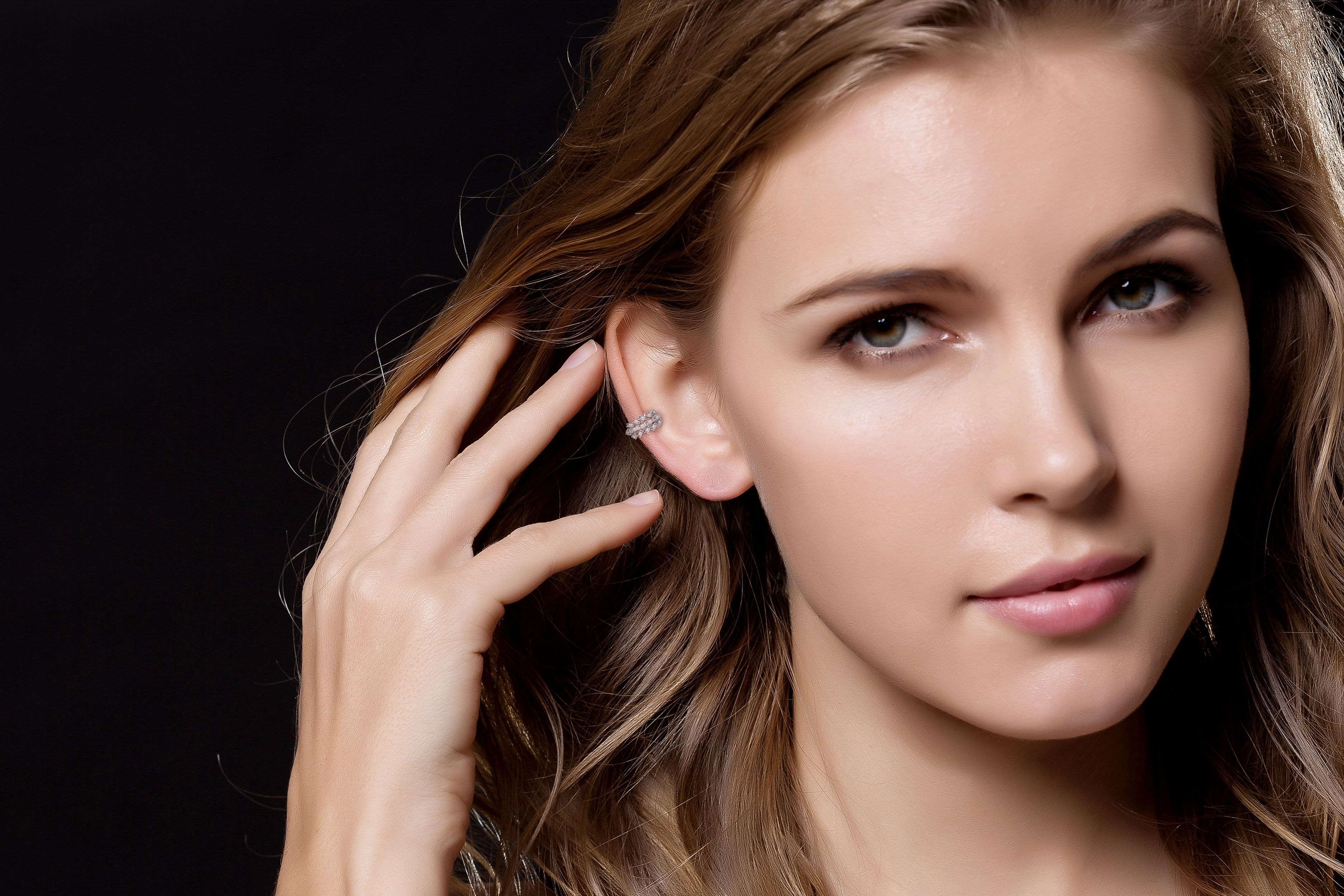 18k Gold Diamond Ear Cuff with Fan Pattern - Genevieve Collection